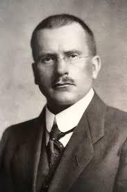 Psikanalizin mirasçısı olarak görülen Carl Jung